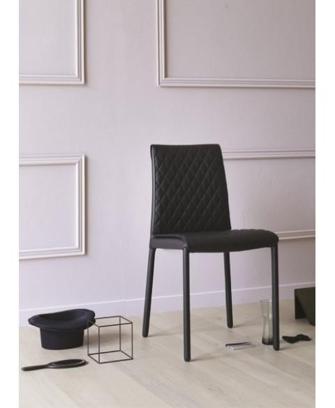 Amelia Chair MIniforms img1