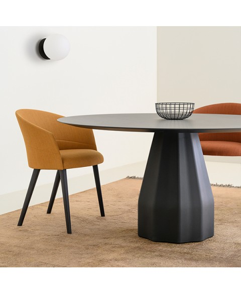 Burin Table Viccarbe img1